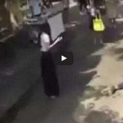 Dziewczynka unosi mężczyznę siłą woli!? Niesamowite nagranie telekinezy…!?
