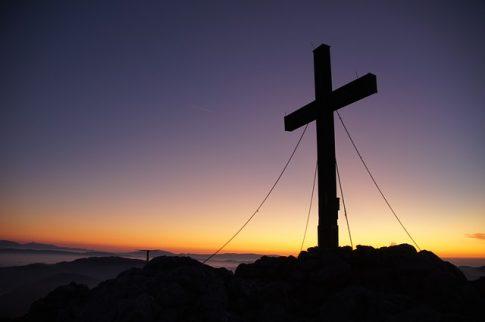 Jezus z obrazu otwiera i zamyka oczy!? Wielu internautów ogłosiło to cudem! Zobaczcie podobiznę…