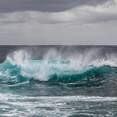 Na morzu ukazał się dziwny obiekt!? Ufo, Arka Noego czy statek widmo?