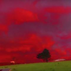 Krwiste niebo zawisło nad miastem! Zapowiedź tragedii i wojny?