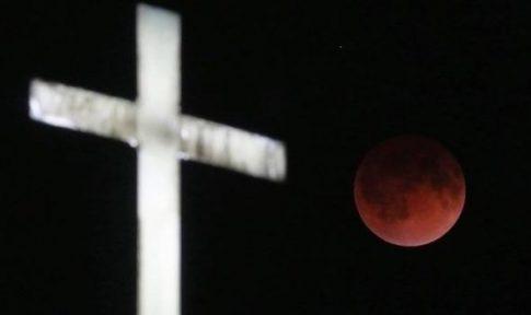 Proroctwo Nostradamusa wypełnia się? Krew, kometa i koniec świata. Zobaczcie szokujące nagranie