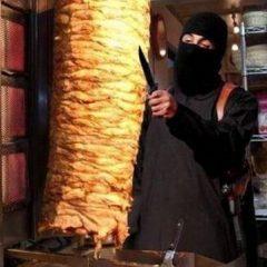 Czy Muzułmanie trują nas kebabem? W kebabie są paznokcie, wydzieliny i choroby? Ważne nagranie!