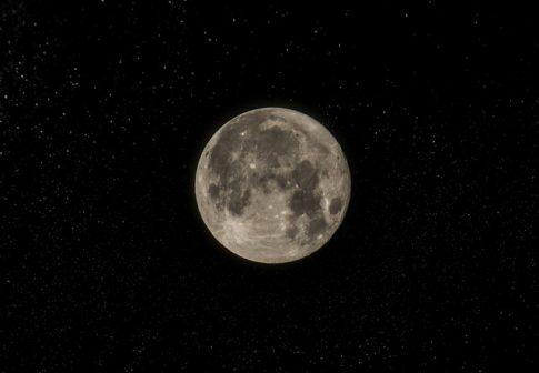 Na niebie nagrano dwa księżyce? Wydarzenie zapowiada…? Zobaczcie nagranie!
