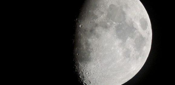 10 przerażających tajemnic Ciemnej Strony Księżyca! Co naprawdę się tam znajduje? Szokujące nagranie