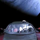 UFO nagrane podczas transmisji na żywo Falcon Heavy?