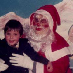 Przerażające zdjęcia dzieci ze Świętym Mikołajem! (NAGRANIE)