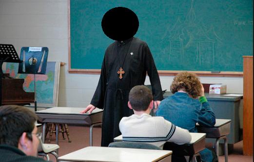 Ksiądz na lekcji religii poniża gejów! Jego słowa przerażają (NAGRANIE)