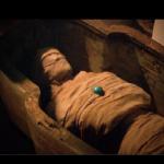 Niezwykła mumia odkryta w piramidzie! Czy to obcy? (NAGRANIE)
